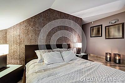Brunt Elegant Sovrum Arkivfoto - Bild: 56344883