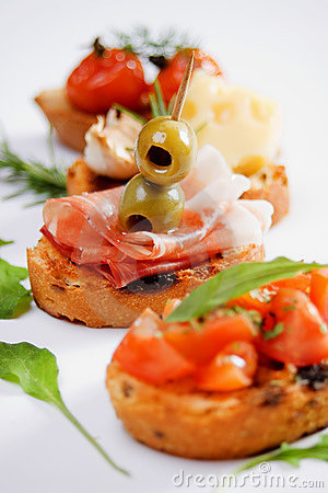 Free Bruschette, Traditional Italian Appetizer Food Royalty Free Stock Image - 15600506