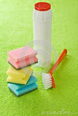 Brush bottle and sponges
