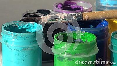 brusher Акриловая краска гуаши Домашняя работа, художник работает акции видеоматериалы