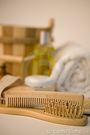 Free Brushes And Bathroom Products Royalty Free Stock Photos - 1814358