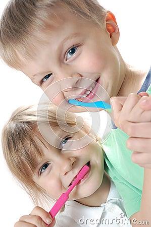 brushing teeth kids