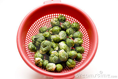 Brussels sprouts in the sieve