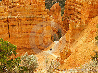 Bryce Canyon hikers