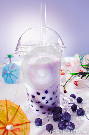 Free Bubble Tea With Berries Royalty Free Stock Photography - 24709167