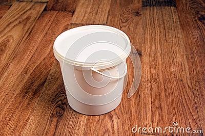 Bucket on laminate