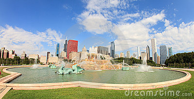Buckingham Fountain Chicago Editorial Stock Photo