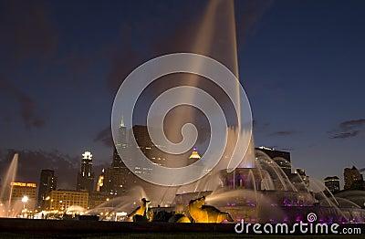 Buckingham Fountain by night
