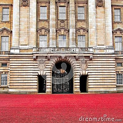 Free Buckingham Palace Front Gate - London Stock Photo - 20595160