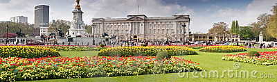Buckingham Palace panoramic in spring