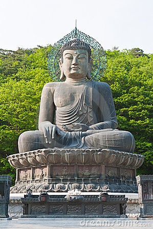 Buddha in the Sinheungsa Temple