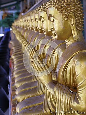 Free Buddha Statue Royalty Free Stock Photography - 5977937