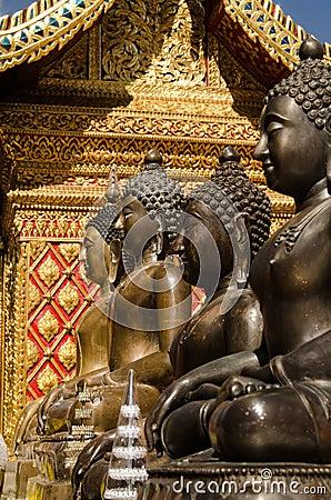 Buddha statyer, Wat Phrathat Doi Suthep