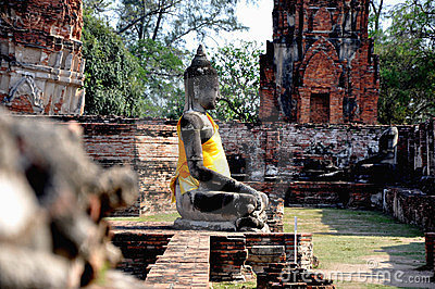 Buddha in Wat Phra Mahathat 2