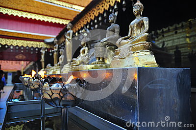 Buddha Statues with Lamp