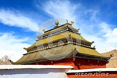 Buddhist gompa, shanti stupa