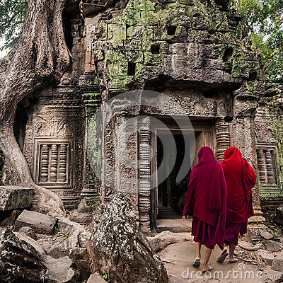 Free Buddhist Monks At Angkor Wat. Siem Reap, Cambodia Royalty Free Stock Image - 42129116