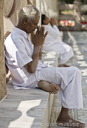 Bodhgaya, India, Buddhist Pilgrim Praying at Mahabodhi temple Editorial Stock Image