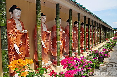 Buddhist statues outside temple
