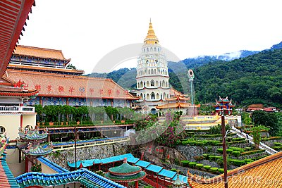 Buddhist Temple : Lek Kok Si, Penang, Malaysia