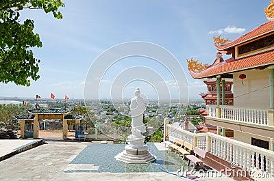 Buddistiskt tempel i Vietnam Redaktionell Foto