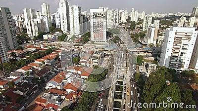 Budowa jednoszynowy system, jednoszynowy linii «17 złoto «, dziennikarza Roberto Marinho aleja, Sao Paulo, Brazylia zbiory
