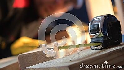 Budowa pomiaru pracownik i narz?dzia zdjęcie wideo