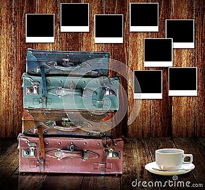 Buen concepto de las memorias, equipaje del viaje del vintage