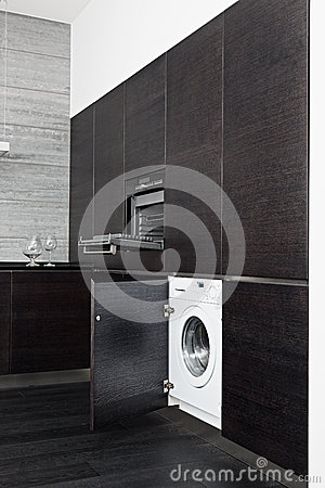 Free Build-in Washing Machine And Cooker On Kitchen Royalty Free Stock Photos - 26340918