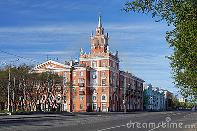 Building with spire in Komsomolsk-on-Amur, Russia Editorial Photo