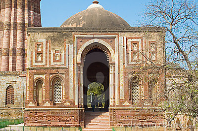 Built structure in qutub minar