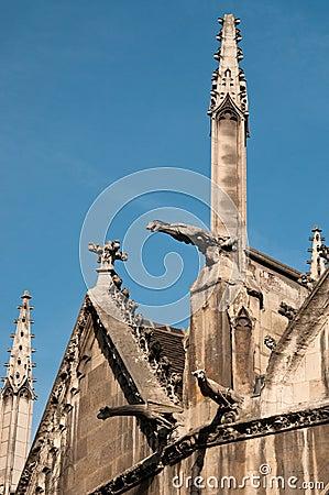 Buiten detail van St. Severin Kerk in Parijs