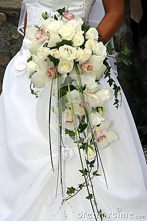 Bukiet ślubny storczykowy white