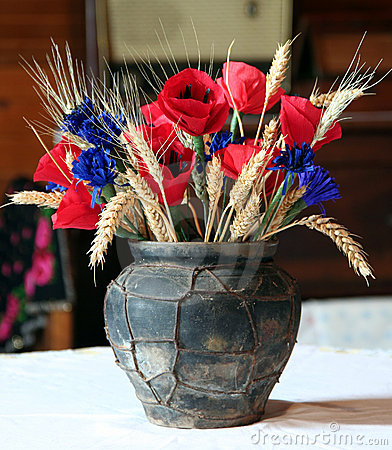 Bunch in the old flower vase
