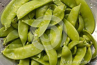 Bunch of snow peas