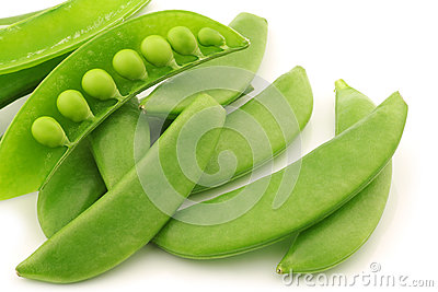 Bunch of sugar snaps with one opened pod