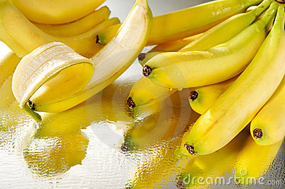 A bunch of wet bananas