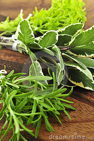 Free Bunches Of Fresh Herbs Stock Images - 6340284
