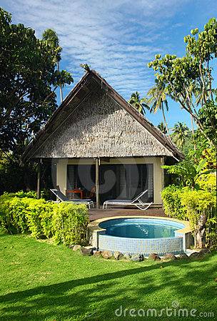 Bungalow and jacuzzi outdoor