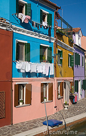 Burano brightly-colored houses