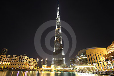 Burj Dubai skyscraper night time general view