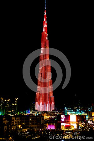 Free Burj Khalifa LED Show At Night, Burj Khalifa Illuminated In Red And White Lights Stock Photography - 135242102
