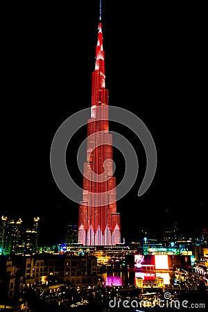 Free Burj Khalifa LED Show At Night, Burj Khalifa Illuminated In Red And White Lights, Dubai, UAE Stock Photography - 135242102