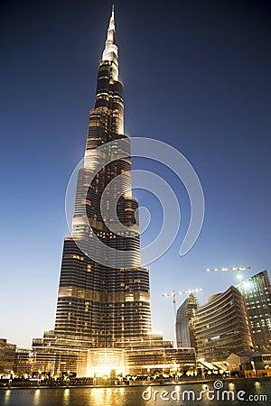 Burj Khalifa na noite, Dubai, UAE Imagem Editorial