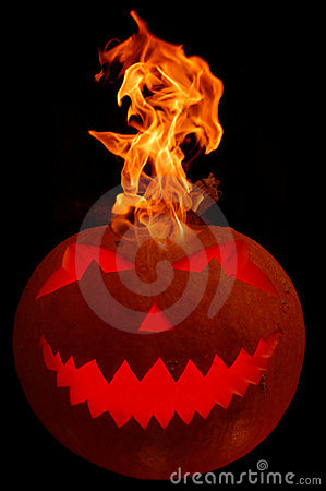 Free Burning Halloween Pumpkin Royalty Free Stock Image - 3272896