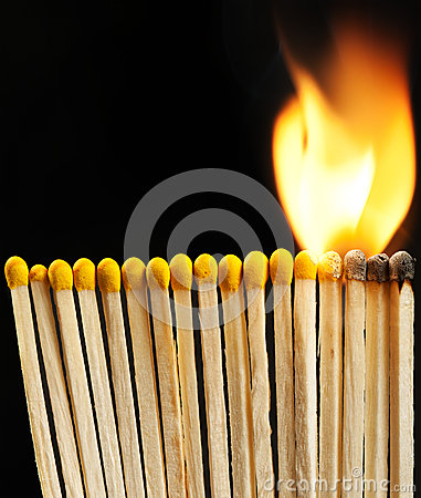 Free Burning Matchsticks Royalty Free Stock Photography - 33905257
