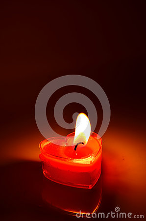 Free Burning Red Candle Heart Royalty Free Stock Images - 41497589