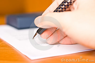 Business man signing the contract