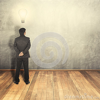 Free Business Man Thinking Idea Bulb And Blank Wall For Text And Background Stock Photography - 59330232