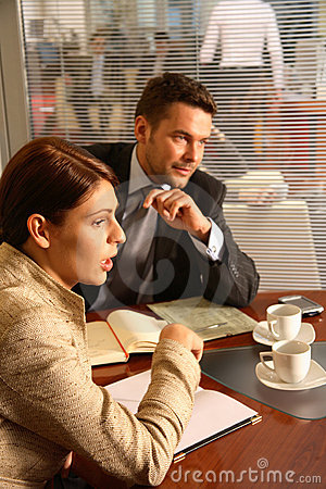 Free Business Man Woman Conversation Royalty Free Stock Image - 1828656